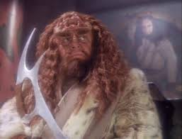 Kahless holding the bat'leth