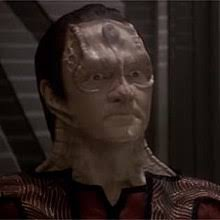 Elim Garak looking very Cardassian