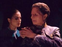 Jadzia holding Odo/Curzon's hand